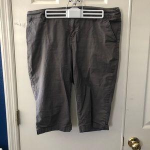 Capri pants size 16
